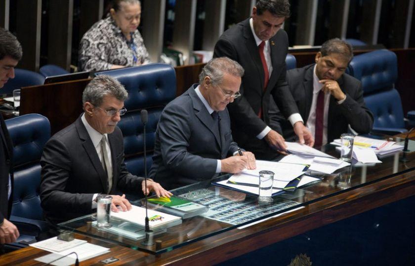 Promulgada emenda que prorroga desvinculação de receitas
