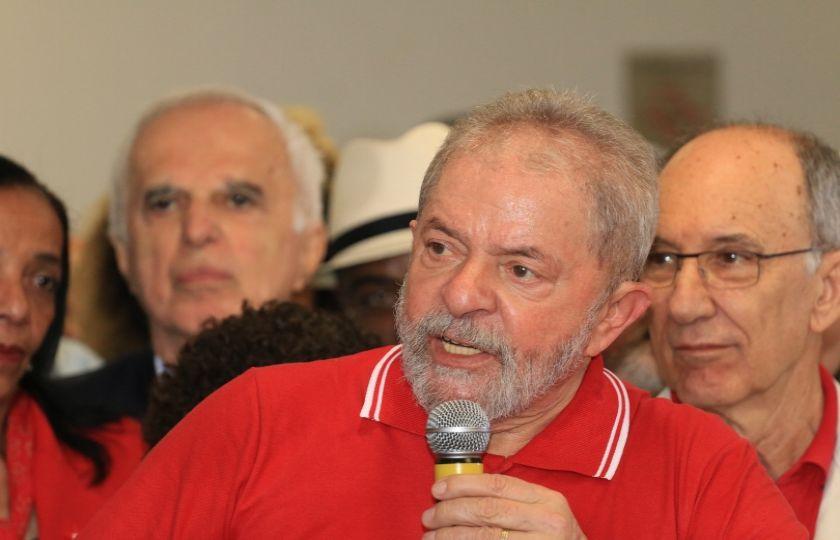 """""""Provem uma corrupção minha, que eu irei a pé para ser preso"""", diz Lula"""