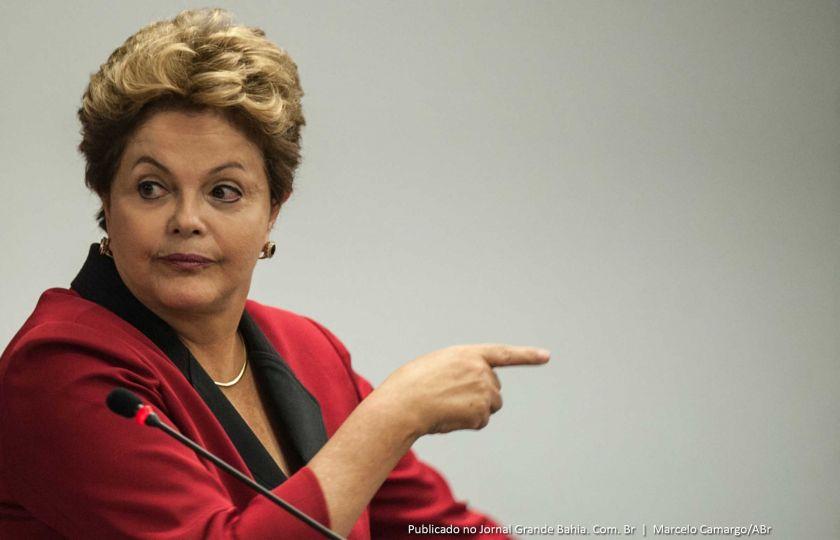 PT que deve responder por pagamentos a João Santana, diz Dilma