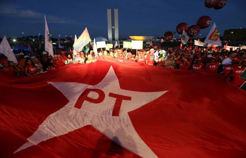 """PT vai pagar caro por estratégia equivocada"", diz sociólogo"