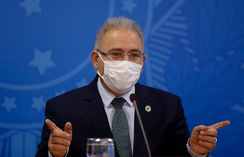 Queiroga diz que Brasil terá 3ª dose contra Covid só após adultos completarem vacinação