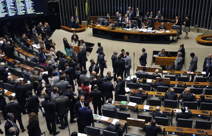 Reformas da Previdência e trabalhista começam a serem analisadas na Câmara dos Deputados