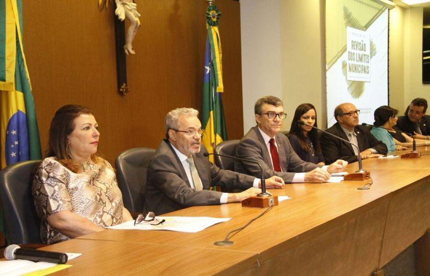 Revisão dos limites dos municípios é discutida no TCE