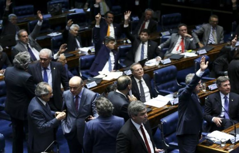 Senado conclui aprovação e reforma trabalhista vai para sanção de Temer