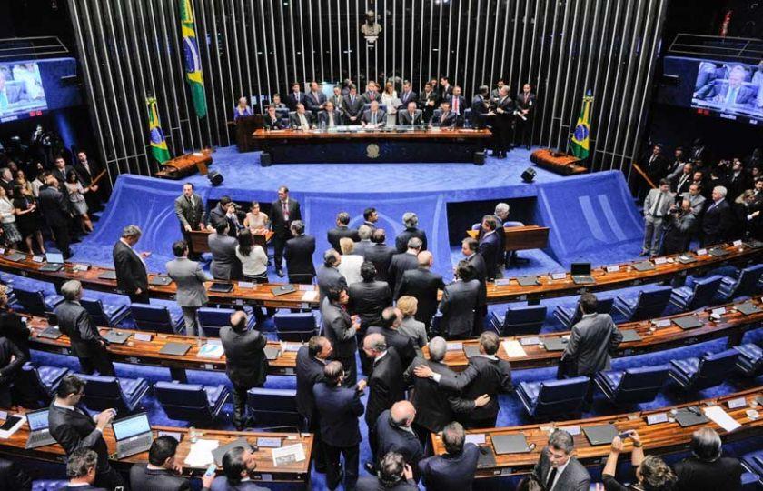 Senado decide hoje se Dilma Rousseff vai a julgamento