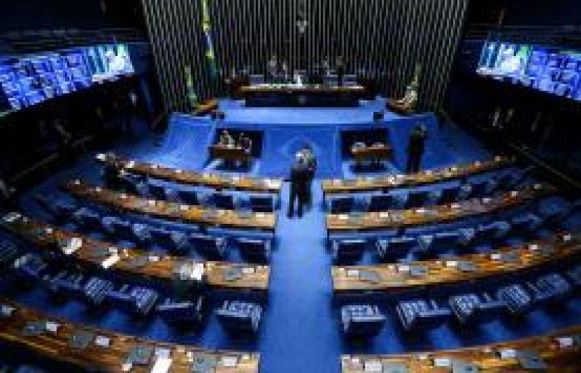 Senado deve concluir hoje votação da reforma trabalhista