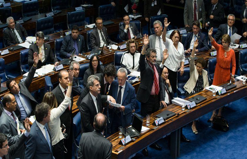 Senadoras de oposição recorrem ao STF mais uma vez para tentar barrar PEC do Teto