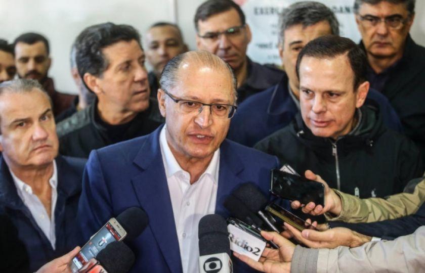 Temer apela a Alckmin e Doria para manter PSDB