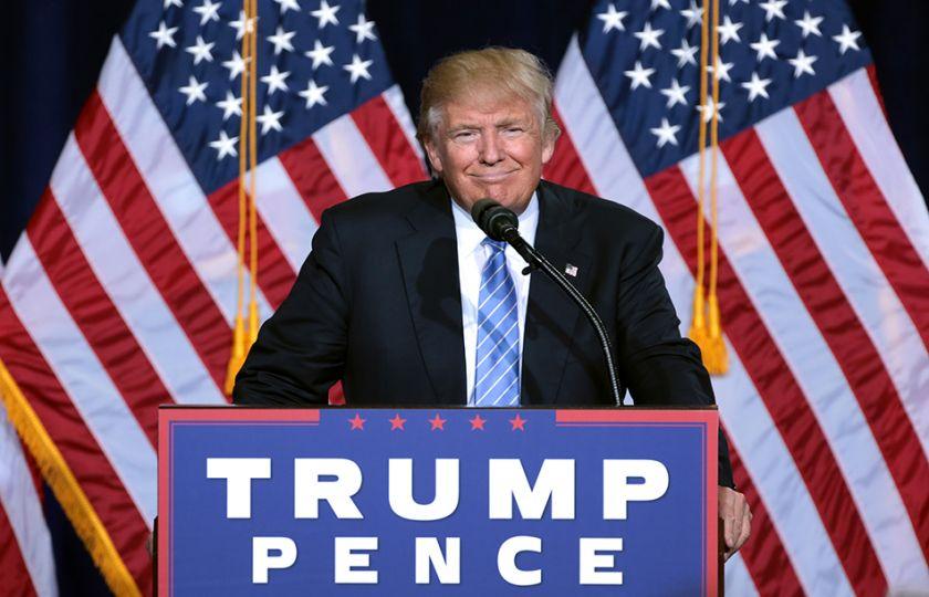 Trump diz que está aberto à discussão de plano para legalizar imigrantes