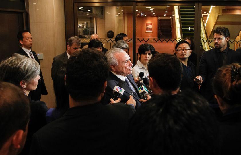 Vídeo: Temer faz declaração à imprensa após reunião com primeiro-ministro do Japão
