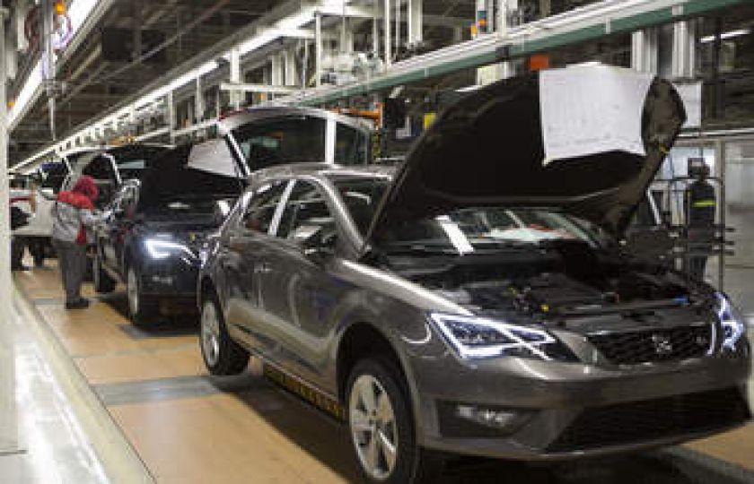Volks interrompe produção e antecipa férias coletivas de 11 mil empregados